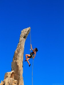 epperson-greg-woman-rock-climbing-joshua-tree-national-park-ca[1]